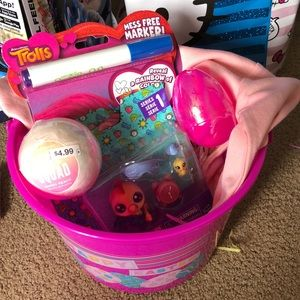 Young girls easter basket new ships same day !